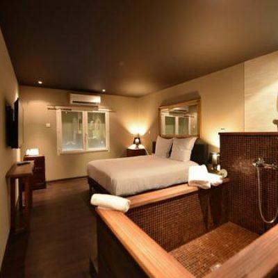 arbisoftimages-642979-_hotel__restaurant_palm_beach__20620170808101024_1050xautox85-180408